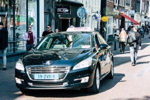 Aanrijding met taxi
